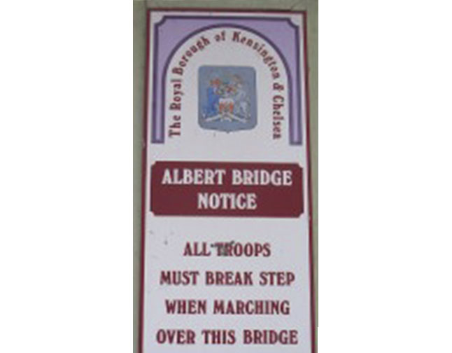 Albert_Bridge_notice-225x300