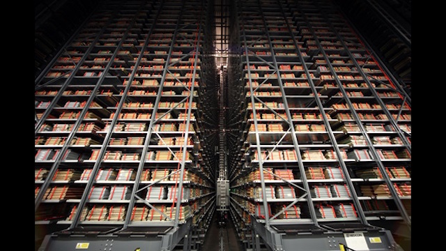 the-storage-void-of-the-new-british-library-national-newspaper-building-at-boston-spa-in-west-yorkshire-4